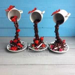 парящие чашки с тортиком