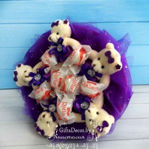 Букет из 5-ти мишек и конфет Raffaello