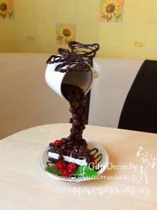 Парящая чашка с тортиком