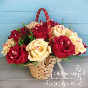 корзинка цветов из конфет