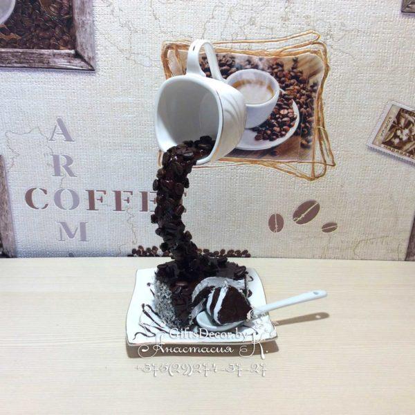 Парящая чашка с тортом