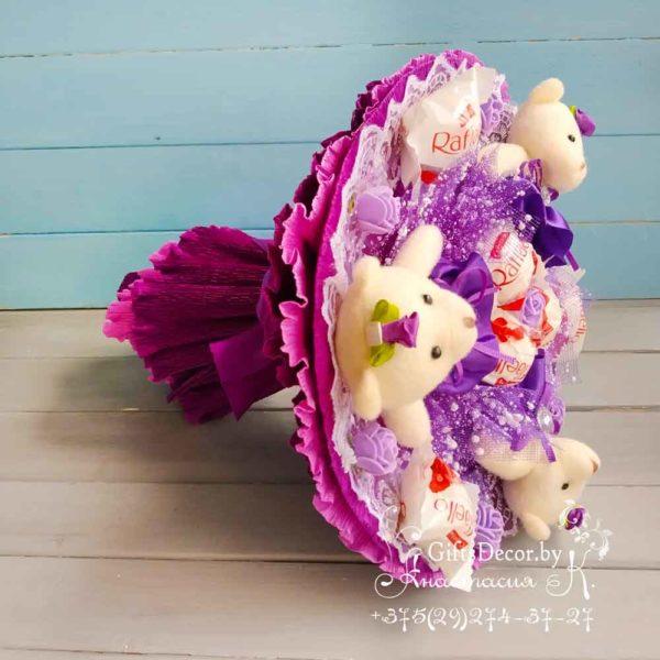 buket iz fioletovyh mishek