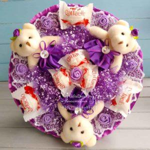 Букет из 3-х фиолетовых мишек с Raffaello