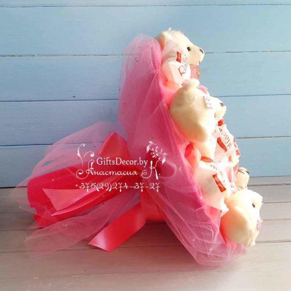 buket iz mishek rozov