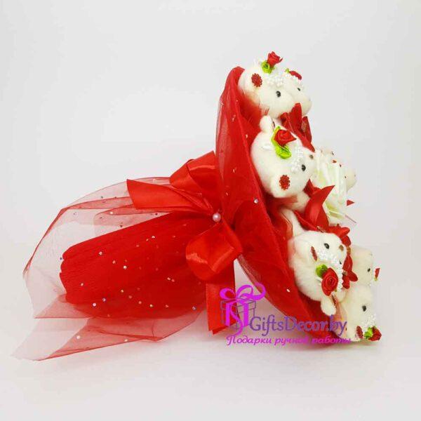букет из 7 красных мишек